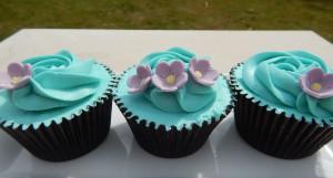 Blue flower cupcake