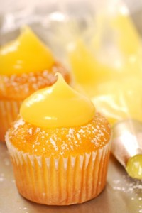 Lemon Cupcake with Lemon Curd