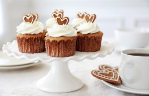 Gingerbread Cupcakes with Vanilla Butter Cream Icing